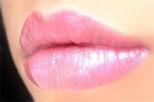 Пухлые губы в домашних условиях